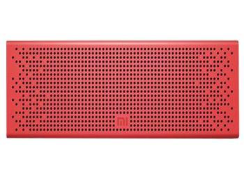Колонка Xiaomi Mi Bluetooth Loudspeaker RedБеспроводная акустическая система Xiaomi Mi Bluetooth Loudspeaker — must have активного человека. Девайс, работающий через Bluetooth 4.0, избавляет от мешающих кабелей. На торце есть удобные кнопки управления воспроизведением. Наличие своего микрофона поз...<br>