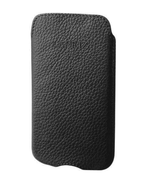Чехол для Sony Xperia U Lanriz Pouchstrap Classic фактурная кожа черныйНе равнодушны к классике и просто в восторге от ярких деталей? Тогда лаконичный и модный Pouchstrap Classic от всемирно известной компании Lanriz — это то, что вам нужно. Классический чехол-кармашек из качественной износостойкой кожи — беспроигрышный вари...<br>