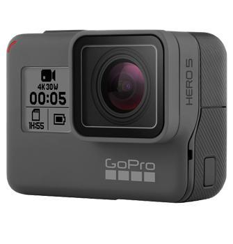 Видеокамера GoPro HERO5 BlackВидеокамера GoPro Hero 5 Black – друг увлеченного экстремала. Модель щеголяет защитой от влаги, штатным дисплеем и массой профессиональных настроек. Эта мощная action-камера весит лишь 117 гр, позволяя снимать в воде. Качество видео достигает 2160p при 30...<br>