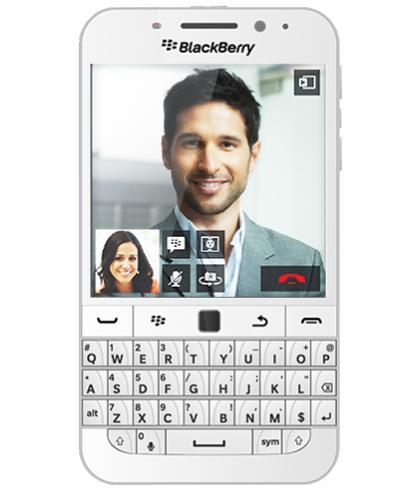 BlackBerry Classic Q20 WhiteСтильному обладателю QWERTY-клавиатуры достался сенсорный дисплей вместе с оптическим трекпадом. Такой набор впечатляет! Легко узнаваемый «ежевичный» девайс идеально подходит на роль надежной «рабочей лошадки» для современного бизнесмена. Благодаря велико...<br>