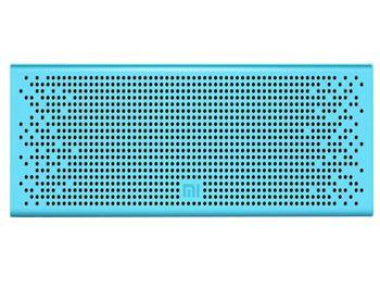 Колонка Xiaomi Mi Bluetooth Loudspeaker BlueБеспроводная акустическая система Xiaomi Mi Bluetooth Loudspeaker — must have активного человека. Девайс, работающий через Bluetooth 4.0, избавляет от мешающих кабелей. На торце есть удобные кнопки управления воспроизведением. Наличие своего микрофона поз...<br>