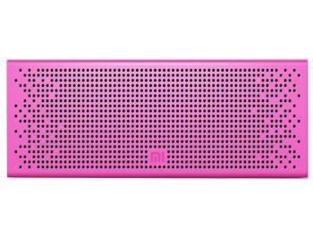 Колонка Xiaomi Mi Bluetooth Loudspeaker PinkБеспроводная акустическая система Xiaomi Mi Bluetooth Loudspeaker — must have активного человека. Девайс, работающий через Bluetooth 4.0, избавляет от мешающих кабелей. На торце есть удобные кнопки управления воспроизведением. Наличие своего микрофона поз...<br>
